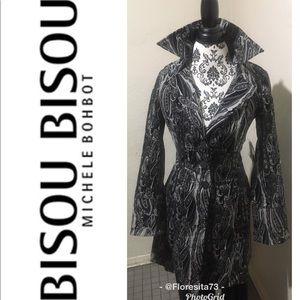 NEW Long Bisou Bisou, Black Coat 🧥.